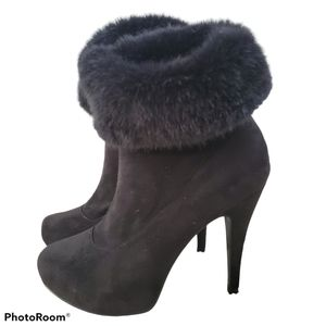 Chinese Laundry Black Suede & Fur Heeled Booties 8